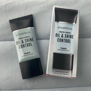 Oil & shine control primer
